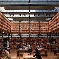 銀座 蔦屋書店 ginzasix bookstore 蔦屋書店 松坂屋 座り読みスペース 無印