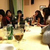 食後にみんなで宴会