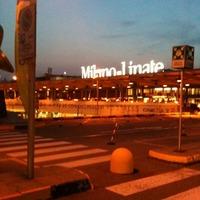 早朝、ミラノのリナーテ空港