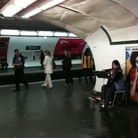 パリのメトロの生演奏