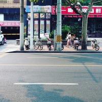 锦江饭店 勝手なイメージで中国って自転車天国だと思ってたけど自転車あんまり...